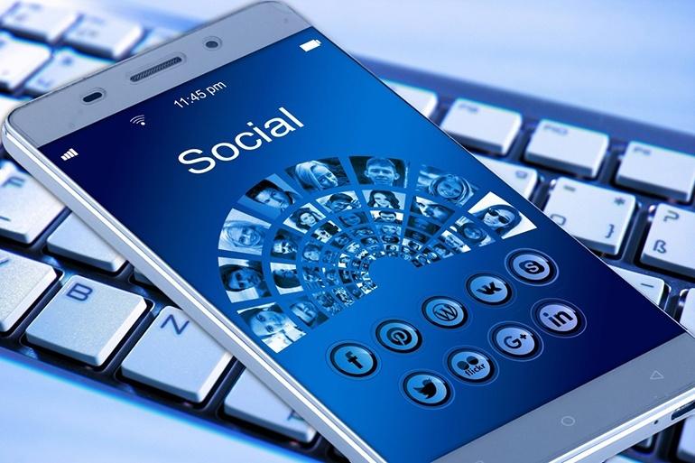 Зарабатываем со смартфона в соц сетях