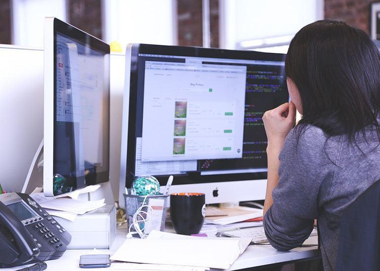 Где искать первые заказы человеку, который стремится зарабатывать на создании сайтов